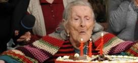 """وفاة آخر مواليد القرن الـ19.. """"عميدة البشرية"""" ترحل عن عمر يناهز 117 عاماً"""