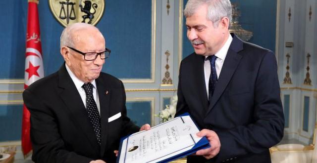 الدكتور الحبيب بوحوالة يتحصل على جائزة رئيس الجمهورية لجمعيات الطب المغاربة المشتركة