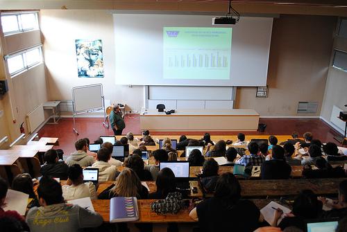 على خلفية انفراد وزير التعليم العالي بقراراته : الاتحاد العام التونسي للشغل يدعوا الى تطبيق قواعد تشاركية فعلية بين كافة الأطراف المتدخلة في الشأن الجامعي
