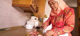 «حليمة يعقوب».. أول امرأة مسلمة رئيسة لسنغافورة
