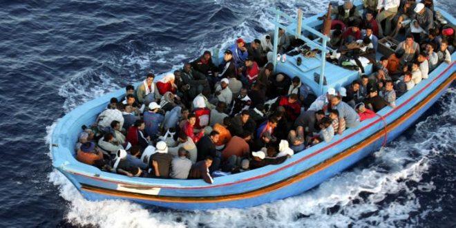 صفاقس-قرقنة: القبض على 10 أشخاص بصدد إجتياز الحدود البحرية خلسة