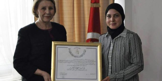 تكريم جديد لجامعة صفاقس: الدكتورة جيهان العش تتحصل على جائزة أفضل بحث علمي نسائي لسنة 2017