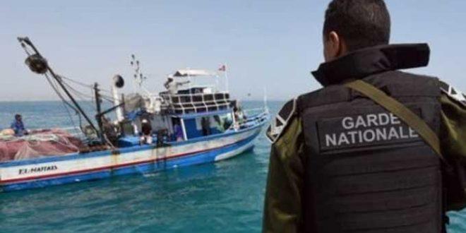 انقاذ 9 بحارة على إثر غرق مركب صيد يقل 12 بحارا بسواحل صفاقس