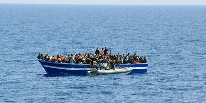 قرقنة: القاء القبض على 28 مجتازا على متن مركب صيد
