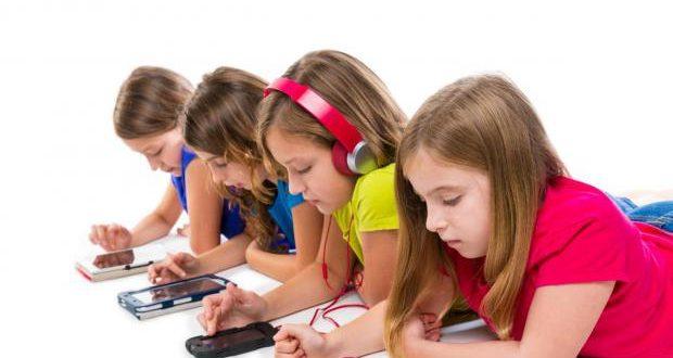 صدر أخيرا: قرار يقضي بمنع استعمال الهواتف الذكية بمؤسسات الطفولة والمدارس الابتدائية والإعدادية