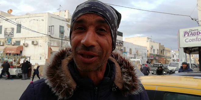 القيروان:سائق تاكسي يعيد '75 مليون' إلى حريف ويرفض المكافأة
