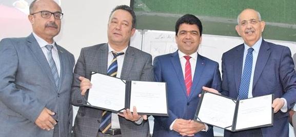 إمضاء اتفاقية شراكة بين شركة المترو الخفيف بصفاقس وجامعة صفاقس