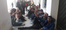 القصبة : المفروزين امنيا يعتصمون امام رئاسة الحكومة