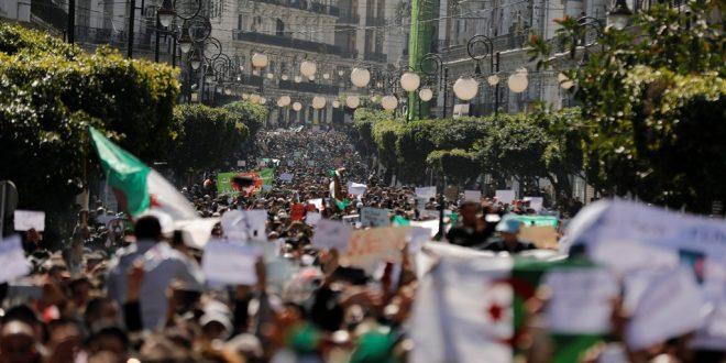 غضب وتريث في الجزائر بعد تقديم ترشيح ملف بوتفليقة
