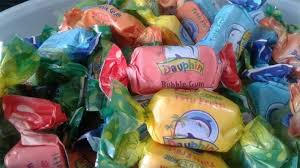 """في بــــلاغ مشترك بين وزراتي الصحة والتجارة:التحذير من استهلاك العلكة من نوع """"Dauphin TUTTU FRUTTI Bubble GUM"""""""