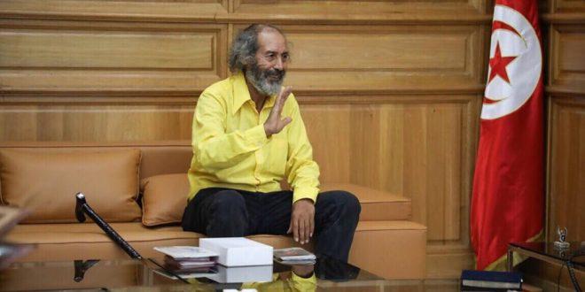 وزير الشؤون الثقافية يستقبل الفنان التشكيلي عبد الحميد عمار