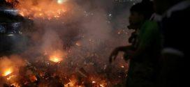 النيران تلتهم 15 ألف منزل في أحد الأحياء العشوائية في بنغلاديش