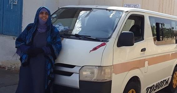 جميلة بن حسن صليحي:  عشقت مهنة التحدي لتكون العنصر النسائي الوحيد في مجال النقل الريفي .